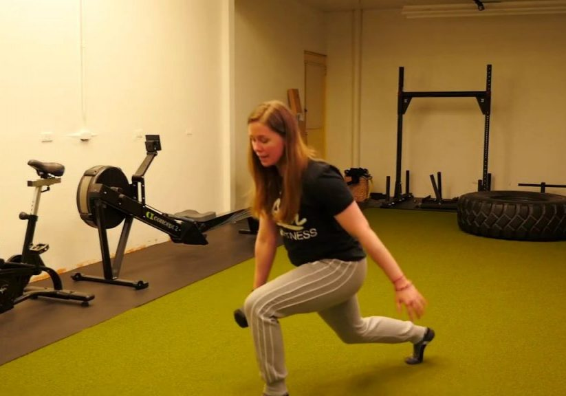 Exercise Of The Week – Alternating  Dumbbell Reverse  Lunge
